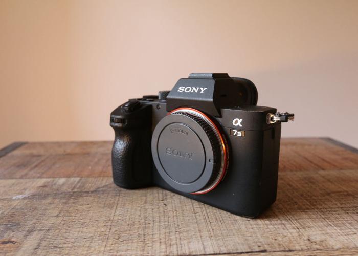 Rent Sony A7III w/ 2x 128GB, 3x Batteries in London
