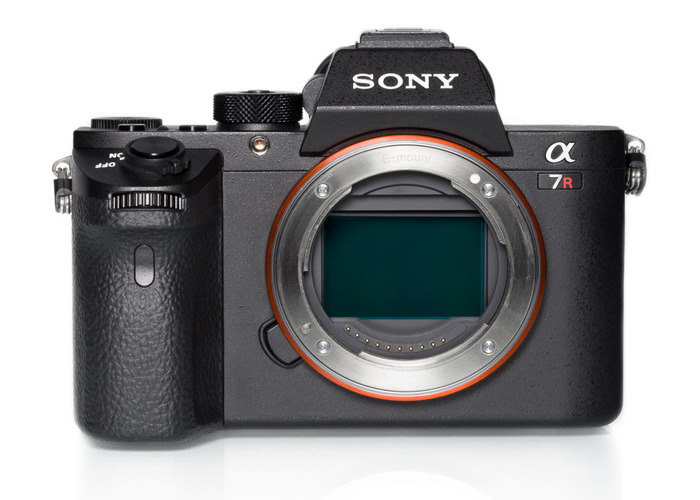 Sony A7R II with 8 batteries - 1