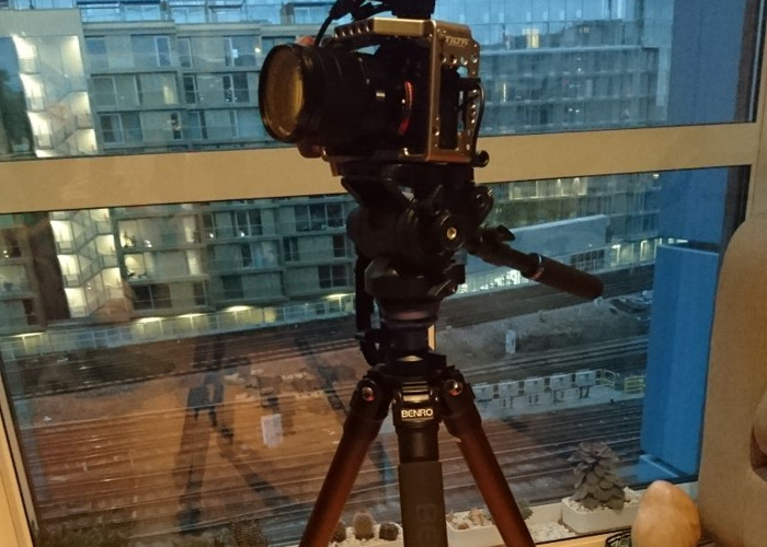 Sony a7Sii FULL KIT, Top Mic, Tilta Cage, 24-70mm, Tripod - 2