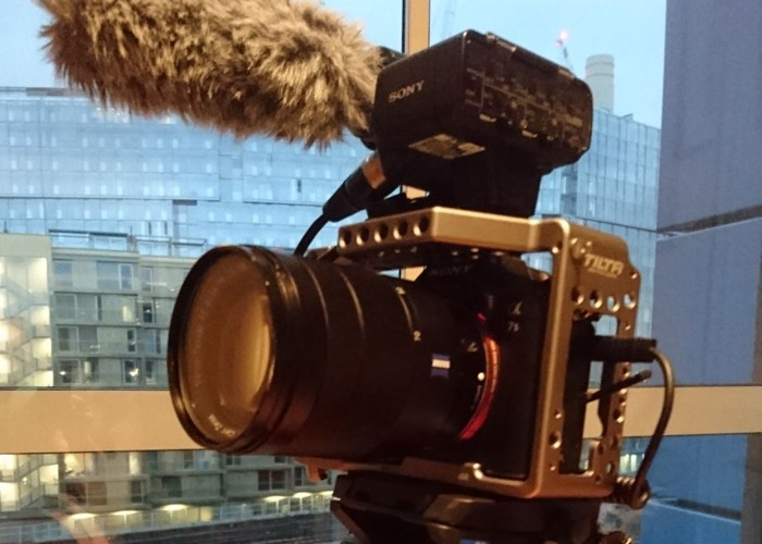 Sony a7Sii FULL KIT, Top Mic, Tilta Cage, 24-70mm, Tripod - 1