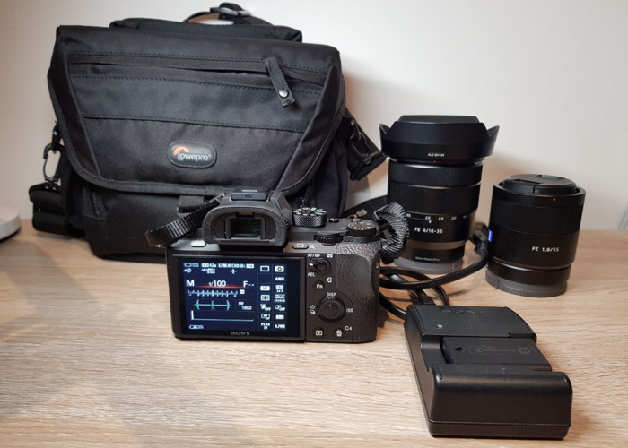 Sony Alpha 7 R II + 2 Lenses + 2 Batteries + Camera Bag  - 2