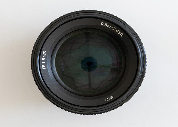 Sony E Mount 85 mm F1.8 Prime Lens - 2