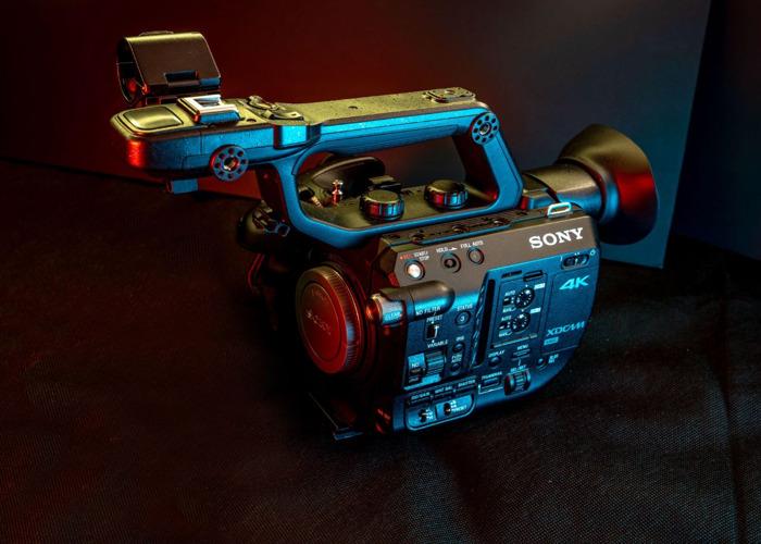 Sony FS5 + Raw Upgrade + 18-105mm f4 - 1