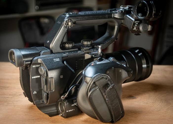 Sony FS5 4K Camera Kit (Canon EF, Nikon, or PL lens mount) - 2