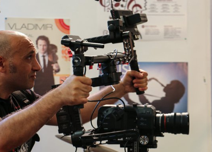 Sony FS7 Camera with Kit Lenses and DOP Cameraman - 1
