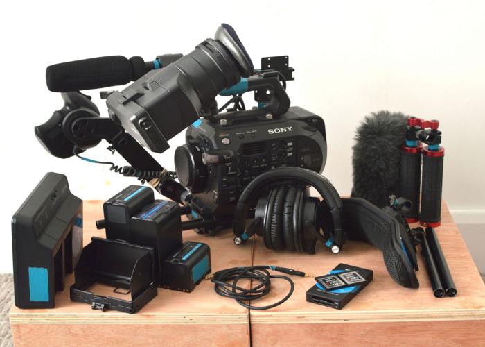 Sony Fs7 Mk2 Camera Kit Body Sd Booster Batteries Rig