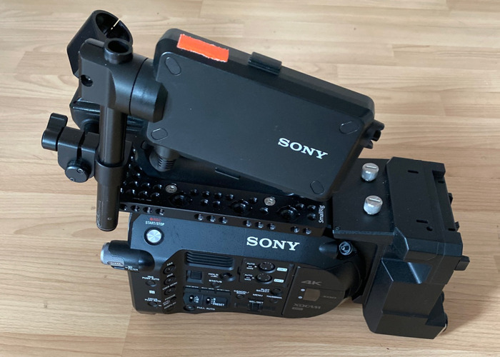 Sony FS7 with vlock extension unit - 1