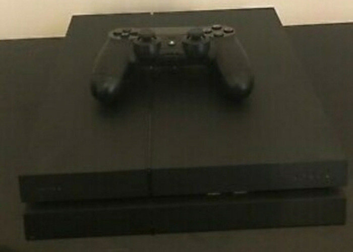 Sony Playstation 500GB Console with 1 Controller  - 1