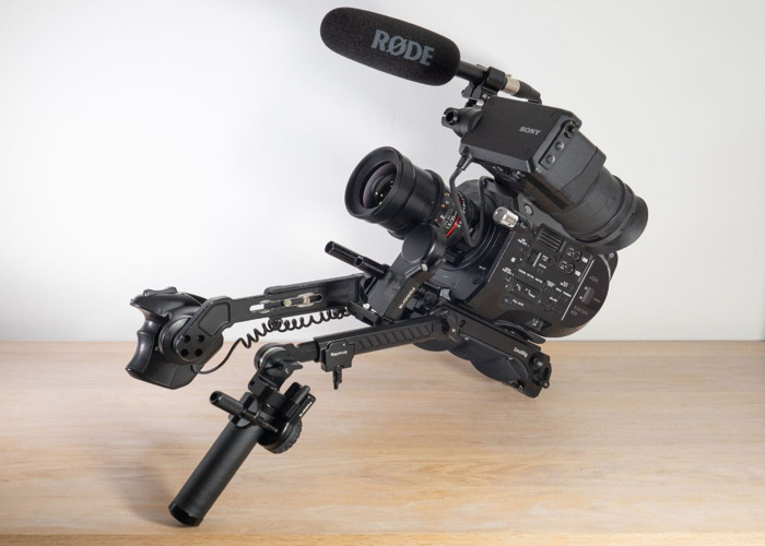Sony PXW-FS7 4K Digital Cinema Camera + PDMovie Wireless Follow Focus + Metabones Speedbooster Ultra x.71 Canon EF + 2 x Samyang/Rokinon Cine 14/24/35/50/85 + Shoulder Rig, Dual Handles + V-Lock - 1