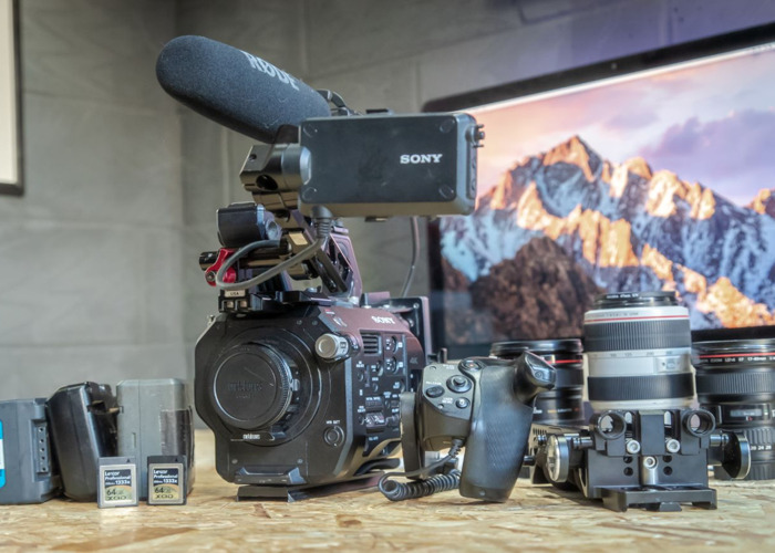Sony PXW-FS7 4K Professional Camcorder + 1 FREE lens rental - 1