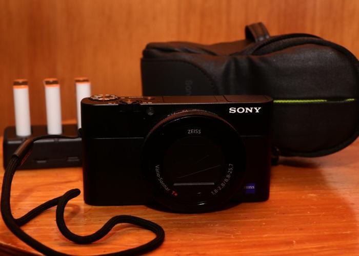 Sony RX100V + 4 batteries+ case - 1
