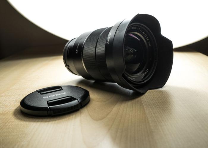 Sony 16-35mm Vario-Tessar ZEISS FE f/4 ZA OSS Lens E-Mount - 1