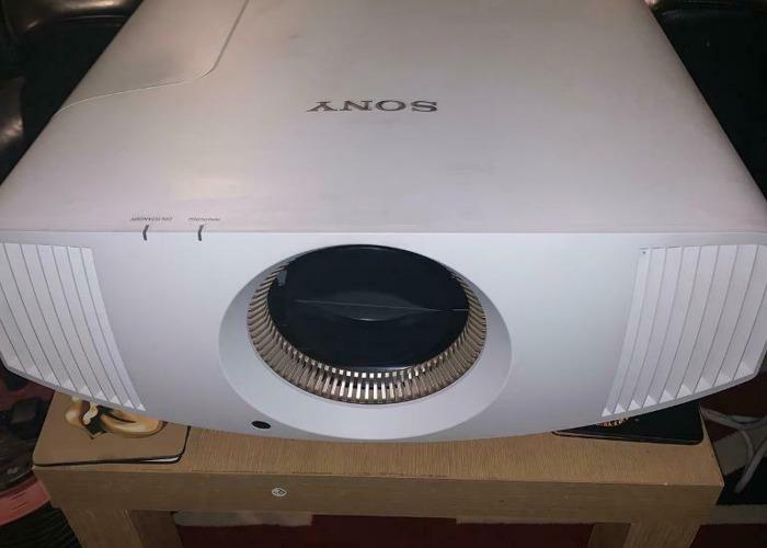Sony VPL-VW760ES 4K 3D SXRD Projector - 1