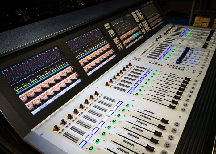 Soundcraft Vi3000 with Stagebox 64/32 - 1