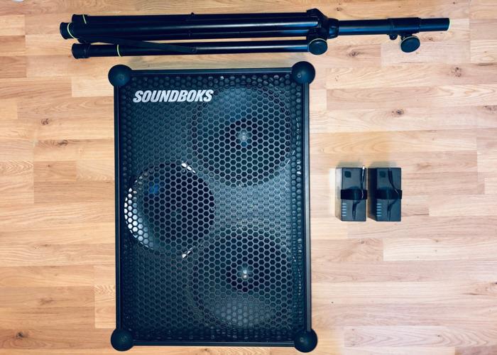 Speaker & Stand & Extra Battery - SOUNDBOKS 3 - 1x Wireless PA Speakers 1x Stand 2x Batteries - 1