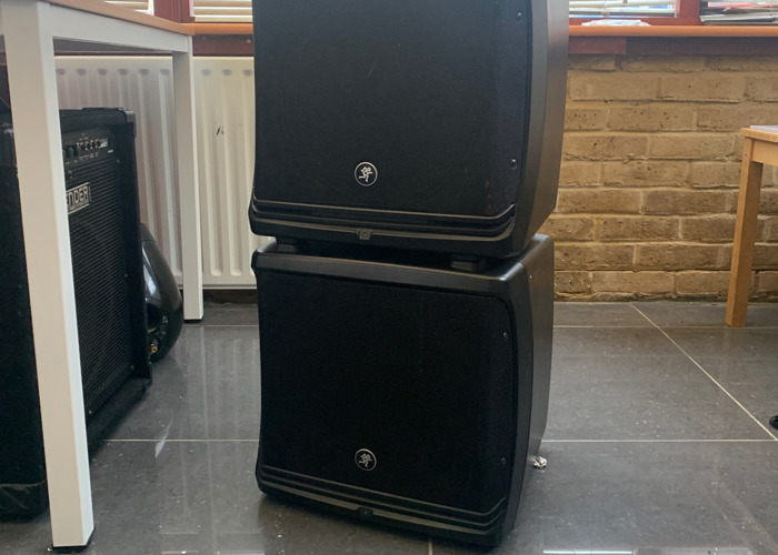 Speakers 2x Mackie DLM series Powered Loudspeakers - 1