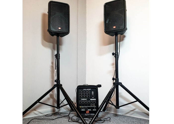 rent speakers and microphone portable pa system jbl eon208p in london fat llama. Black Bedroom Furniture Sets. Home Design Ideas
