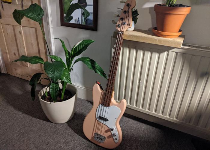 Squier Vista Musicmaster Bass - RARE Shell Pink - 1