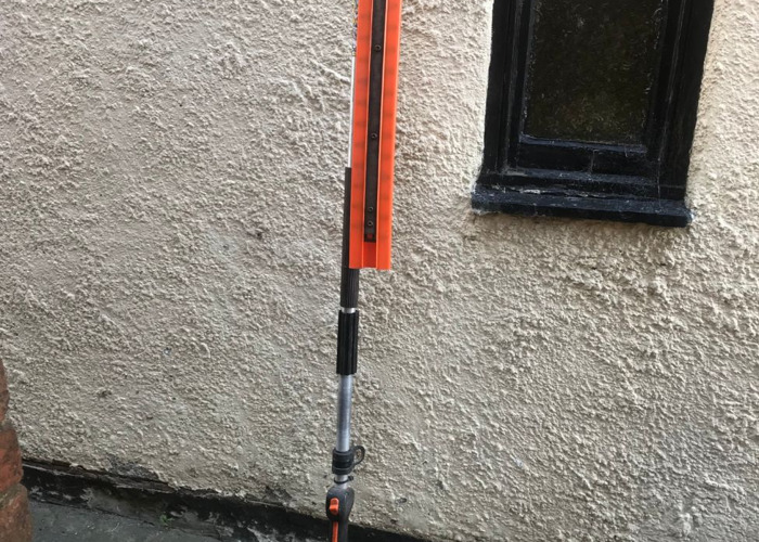 Stihl L100 Long Reach Petrol Hedgetrimmer - 1