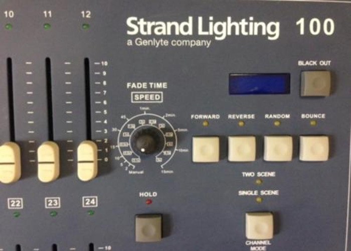 Strand 100 Manual DMX Lighting Desk 12/24  - 2