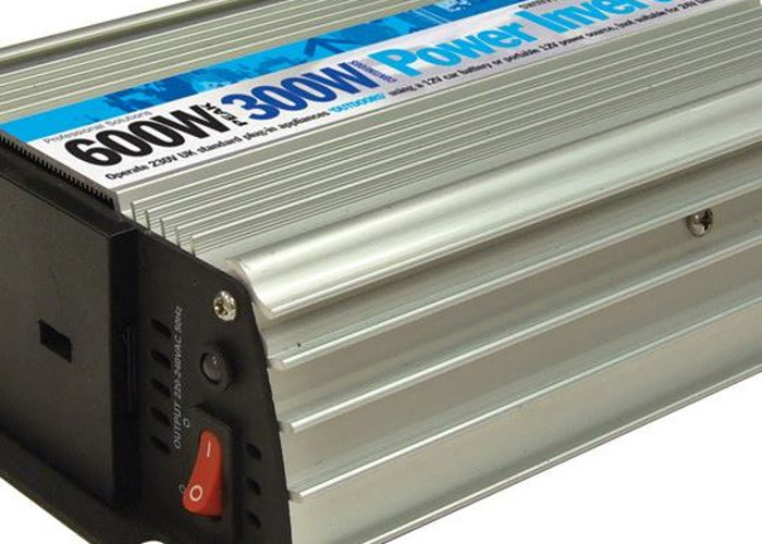 Streetwize 600W power inverter and 15m extension lead - 1