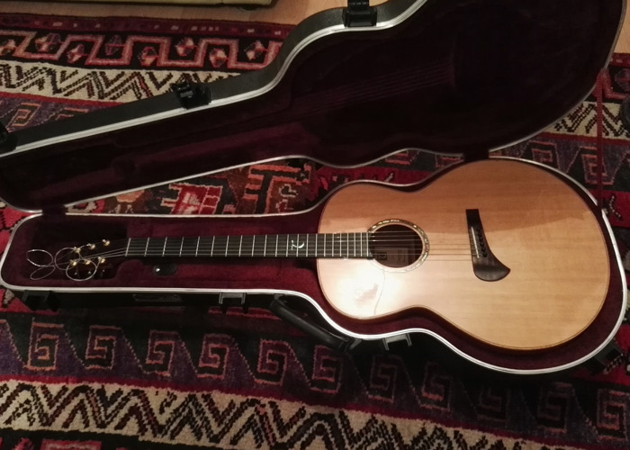 Tanglewood Electro-Acoustic Guitar Masterdesign series - 1