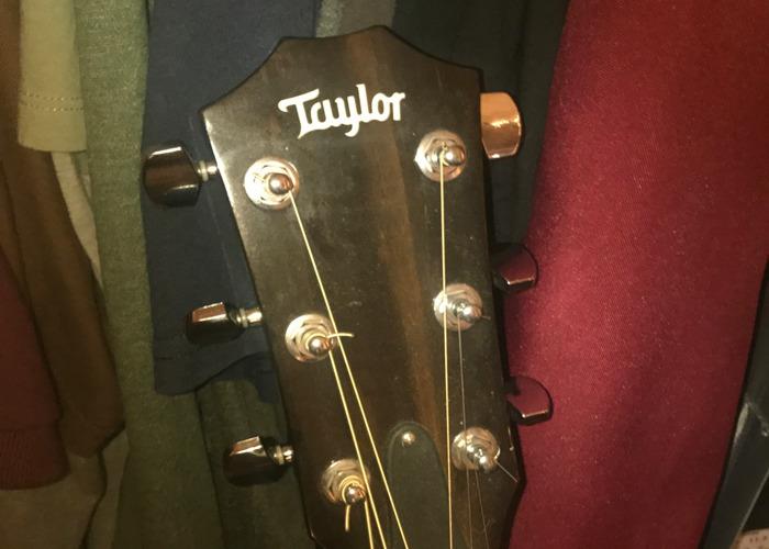 Taylor 214ce - 2