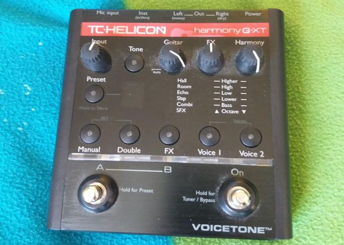 tc helicon-voicetone-harmonyg-xt-vocal--guitar-processor-06479514.jpg