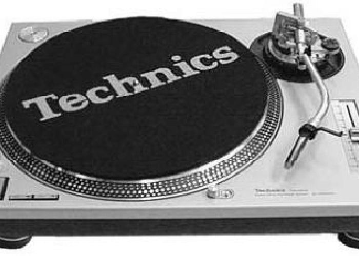 Technic 1210 Turntables (pair) - 1