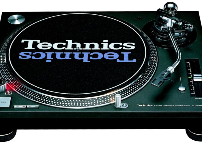 Technics 1200 Mk2 // Turntable - 1