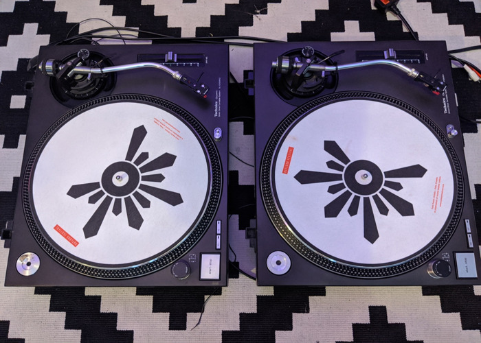 Technics 1210 Mk2 Pair with needles and slipmats - 1