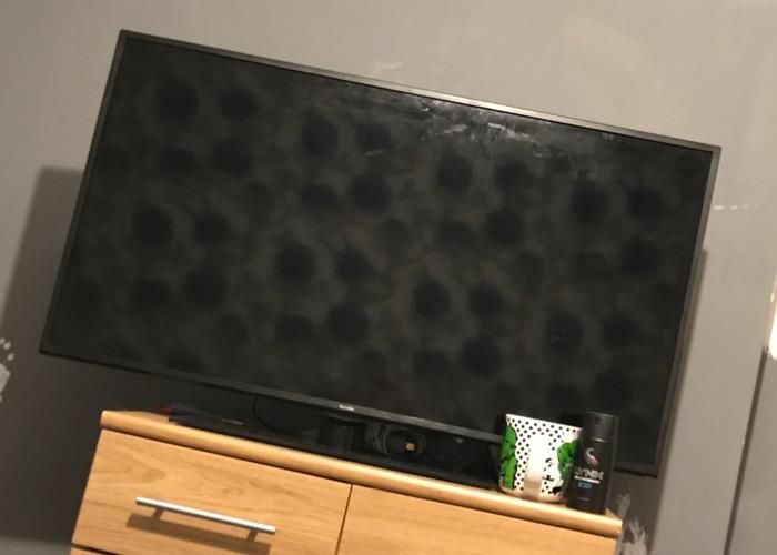 """Technika 40"""" TV - 1"""