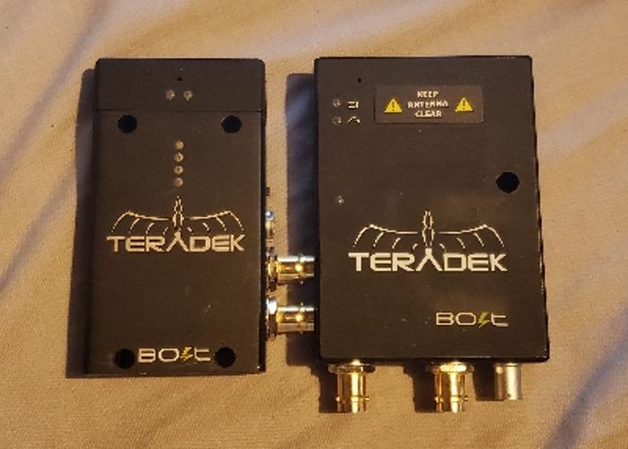 Teradek bolt pro SDI TX/RX + 7 batteries, 4 chargers, case, sdi, hdmi, adapter, transmitter and receiver - 1