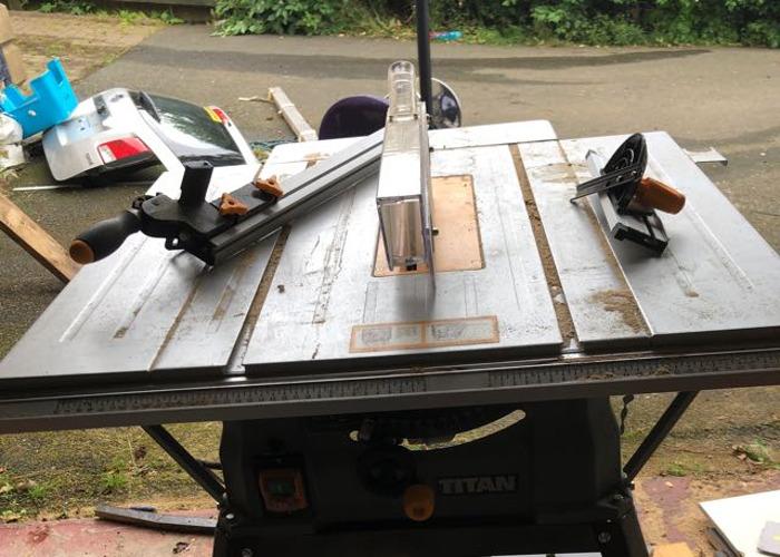 Titan Table saw - 1