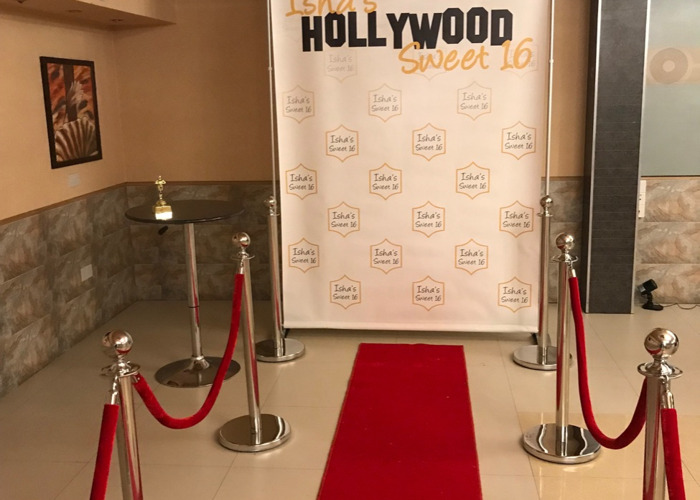 TO HIRE... RED CARPET POLES X 8 With 4 ROPES CHROME - 1