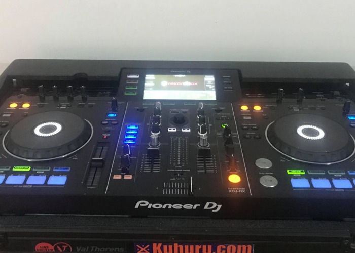 Pro Range Pioneer DJ Controller XDJ-RX w/ Flight Case - 1