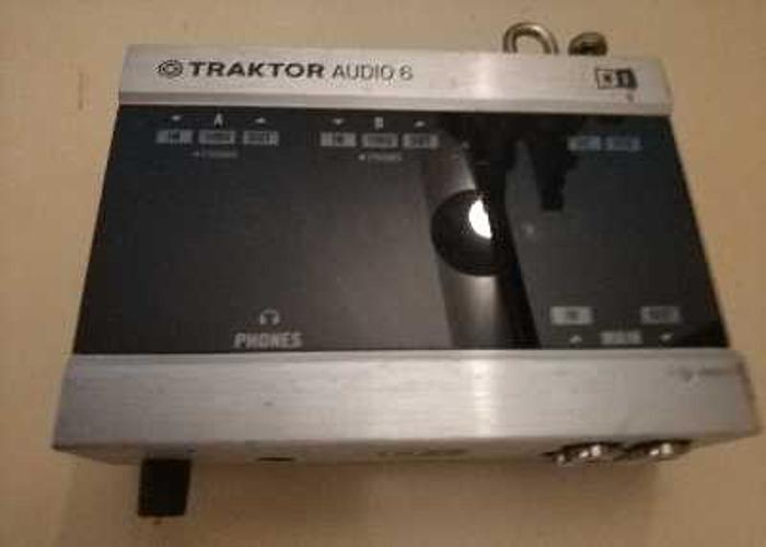 Traktor Audio 6 - 1