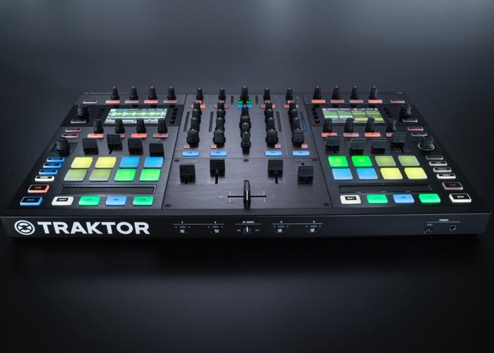 TRAKTOR KONTROL S8 - 1