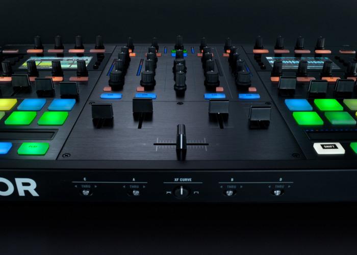 TRAKTOR KONTROL S8 - 2