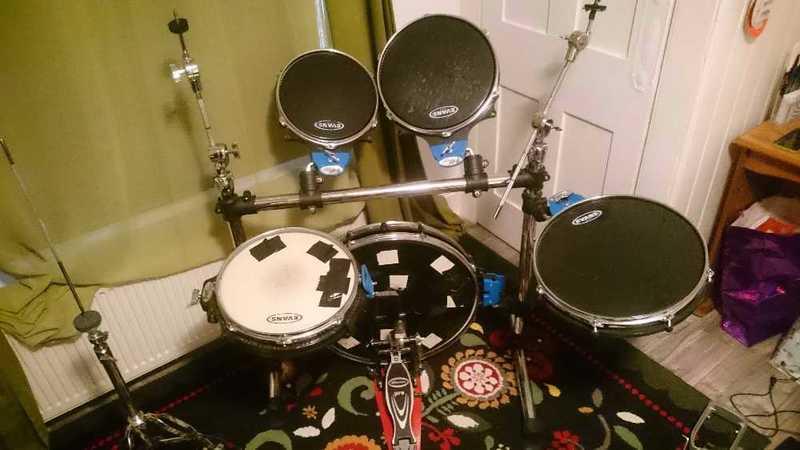 Traps A-400 Drum Kit - 1