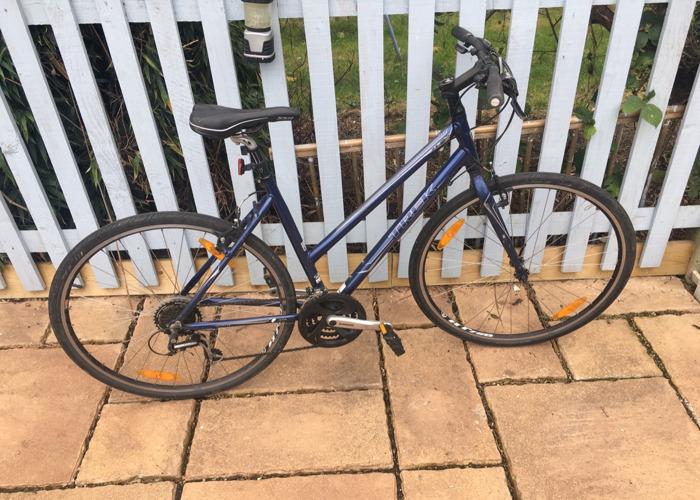 Trek 7.1 FX City Bike Hybrid - 1