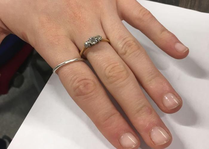 Trio of diamonds antique gold engagement ring - 2