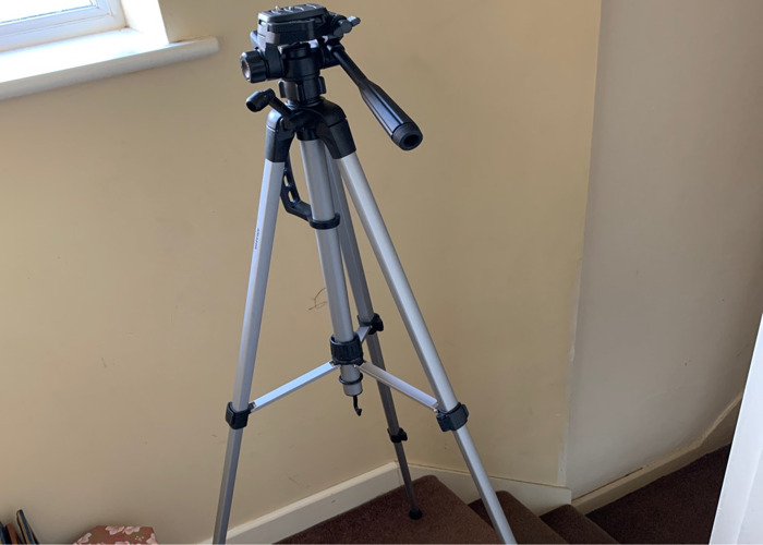 Tripod for DSLR Cameras (Sony, Canon, Nikon, etc) - 1