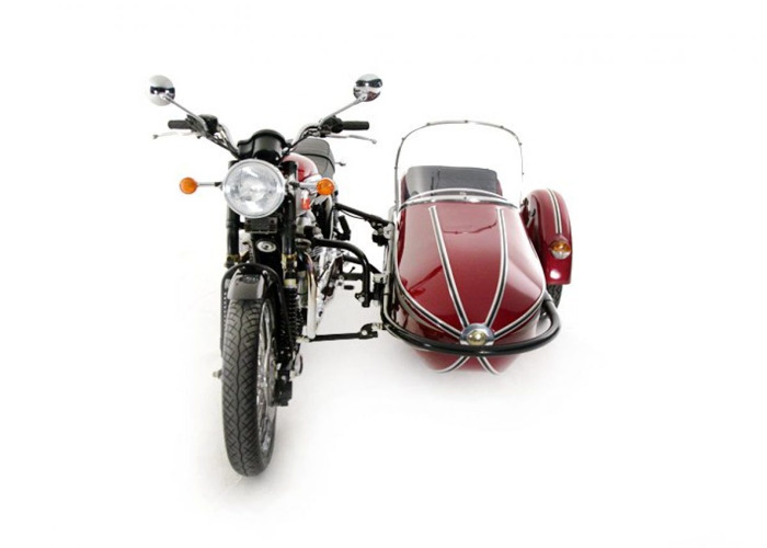 Triumph Motorcycles Bonneville Motorcycle and side car (2001 - 2