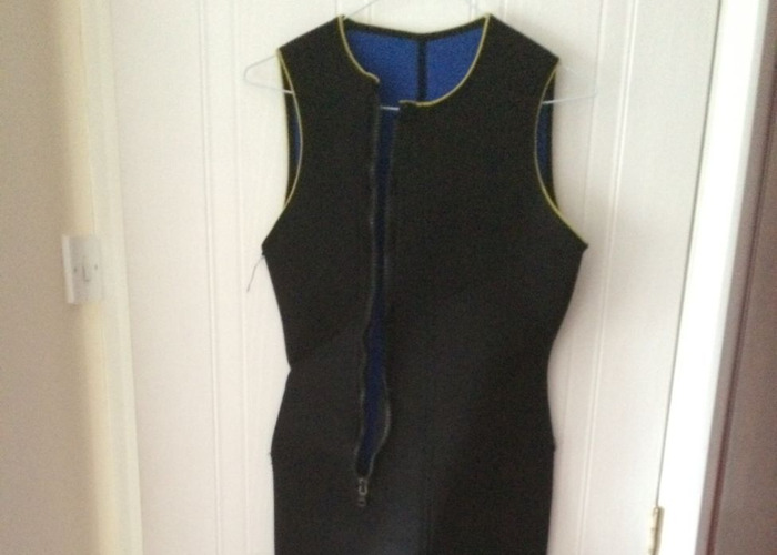 Two pieces wetsuit 8mm - 2