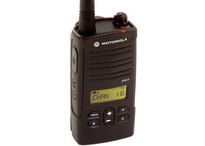 Two-Way Radio Kit x6 / Walkie Talkies Motorola XTNiD  - 1