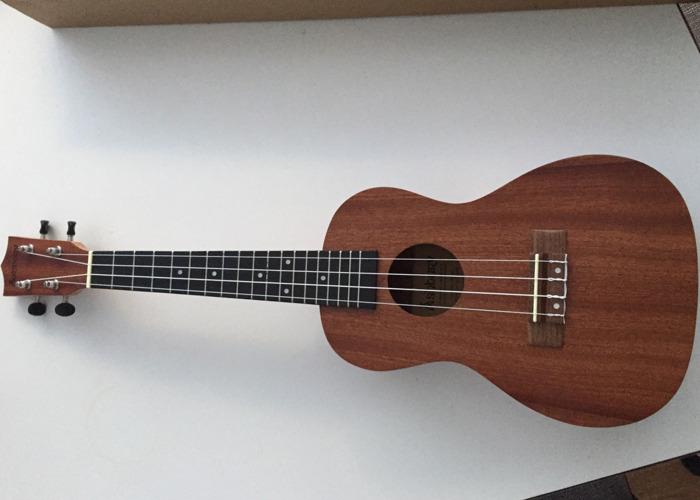 Ukulele soprano - 1