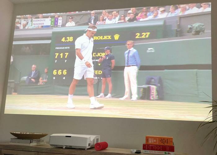 Full HD 1080p Ultra short throw projector + UE BOOM 2 - 1