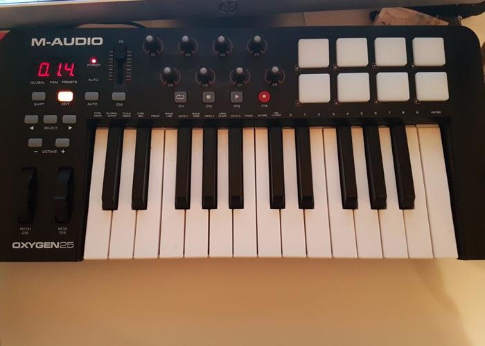 USB Midi Controller Keyboard (M-Audio Oxygen 25 MK IV) - 1