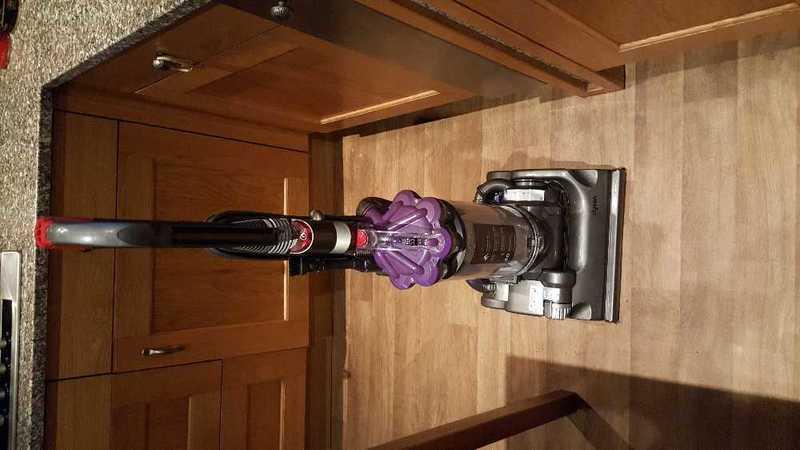 Vacuum cleaner...dyson - 2
